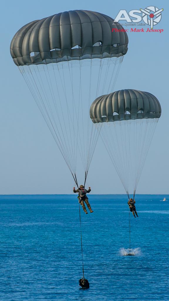 2 Commando's splash down ready to go