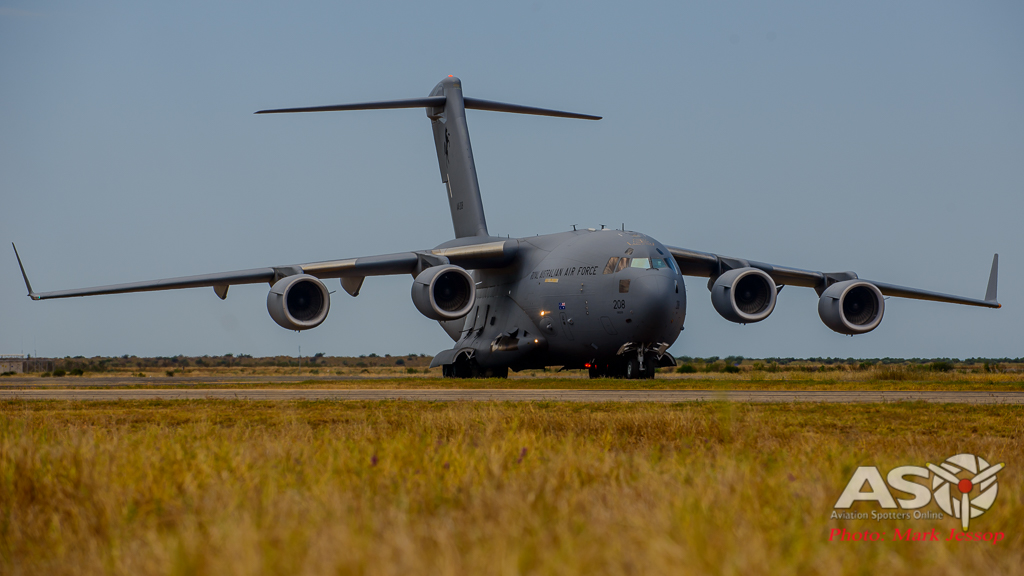 RAAF C-17 A41-208 taxing in after flying straight from RAAF Amberley QLD.