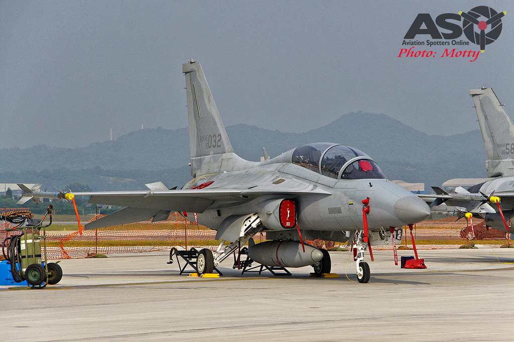 Mottys Osan Air Power Day 2016 ROKAF FA-50 15-032 0030-ASO