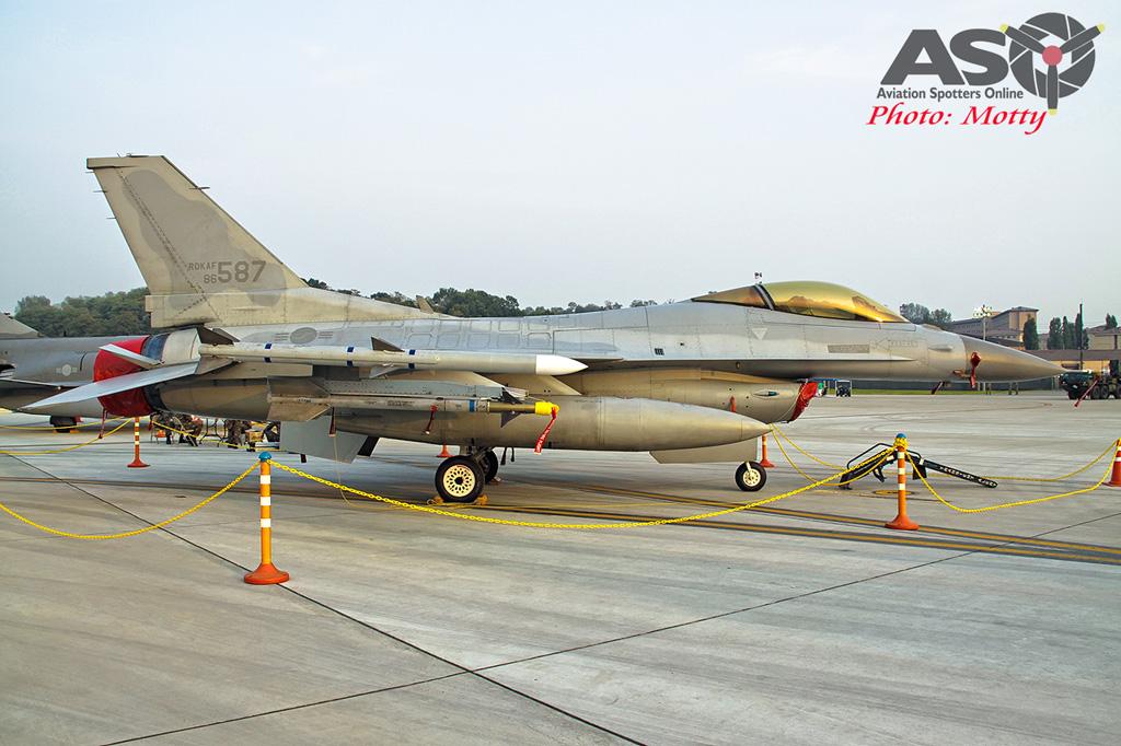 Mottys Osan Air Power Day 2016 ROKAF KF-16C 86-587 0030-ASO