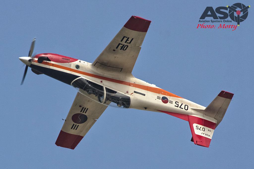 Mottys Osan Air Power Day 2016 ROKAF KT-1 04-075 0040-ASO