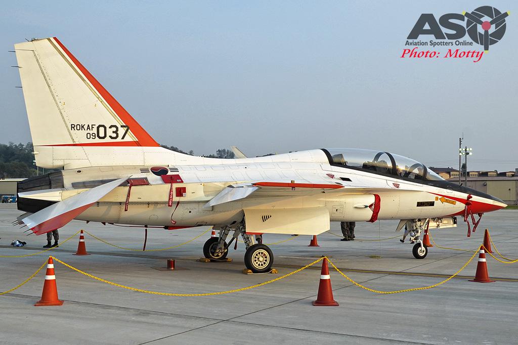Mottys Osan Air Power Day 2016 ROKAF T-50 09-037 0030-ASO