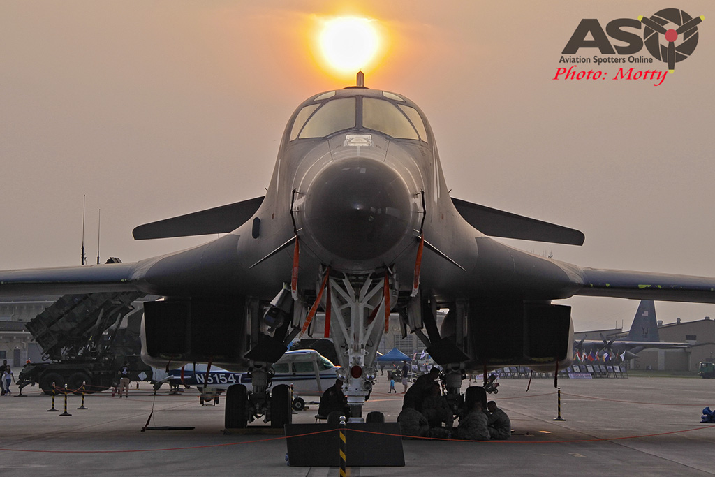 Mottys Osan Air Power Day 2016 USAF B-1B 86-129 0080-ASO