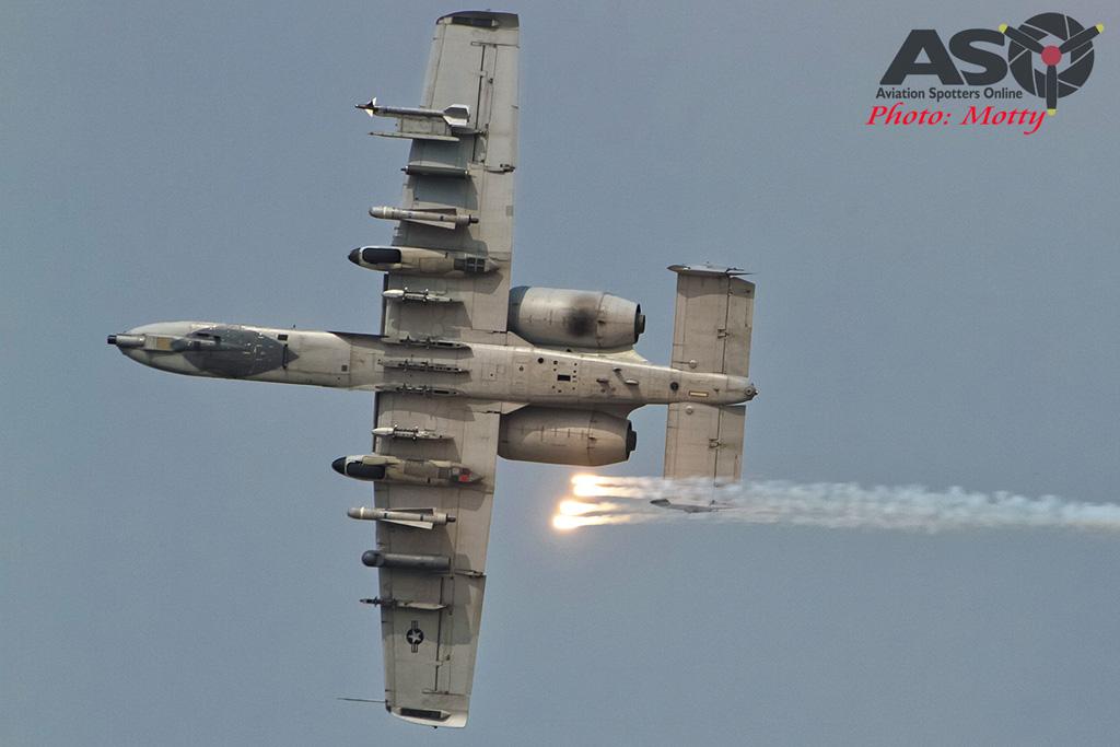 Mottys Osan Air Power Day 2016 USAF CSAR Demo A-10 0130-ASO
