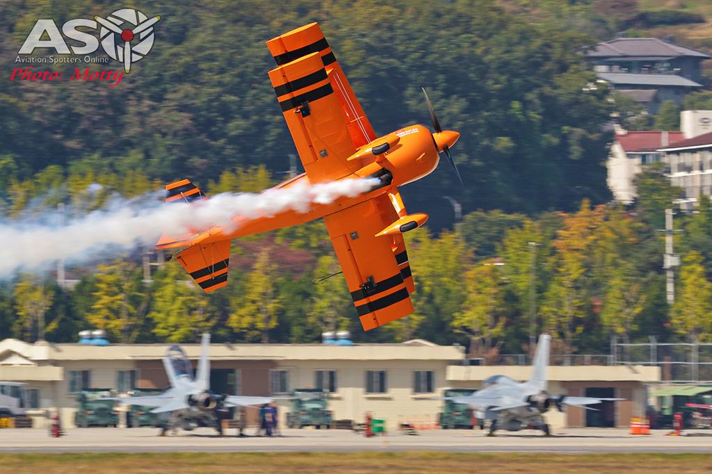 Mottys-Paul-Bennet-Airshows-Seoul-ADEX-2017-3-FRI-0335-ASO