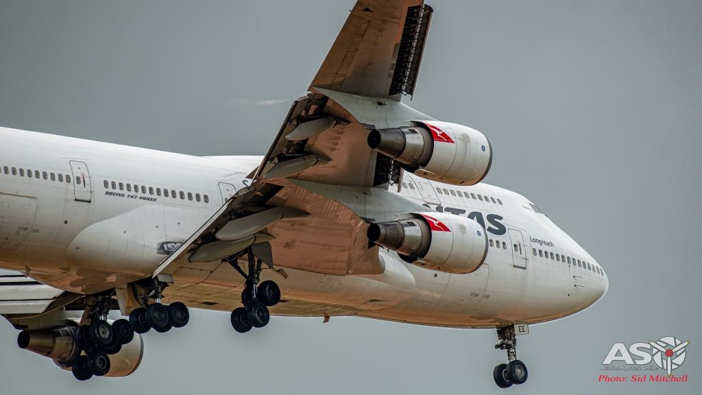 """Qantas Boeing 747-438, VH-OEE, """"Nullarbor"""""""