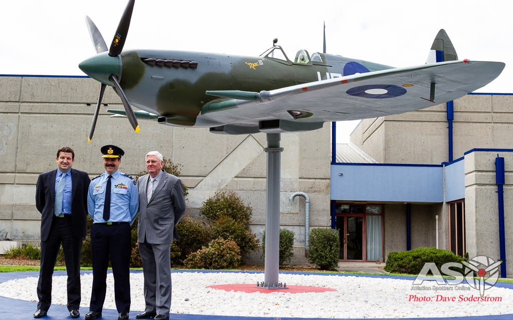 From Left to Right - Rolls Royce, Mr Lee Doherty MBE, Chief of the Air Force Air Marshal Leo Davies, and the RAAF Museum's Director David Gardner, stand proudly with the replica Spitfire.