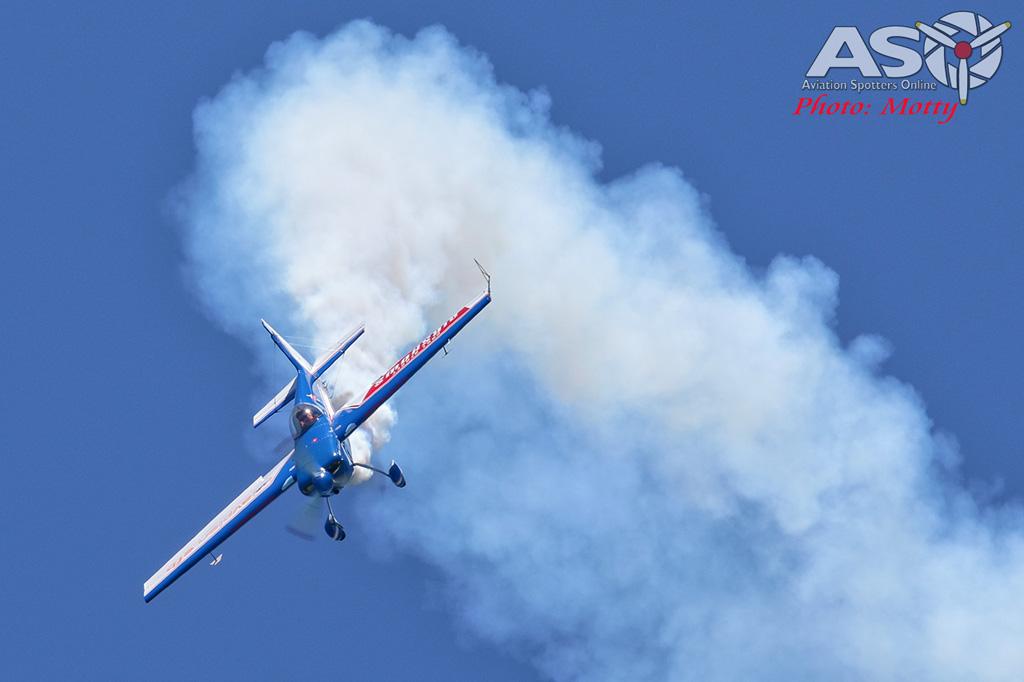 Mottys-Rathmines-2017-Paul-Bennet-Airshows-Rebel-300-VH-TBN-2883-ASO