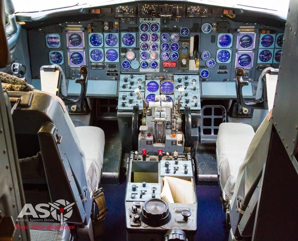 RTAF Museum 737 Cockpit (1 of 1)