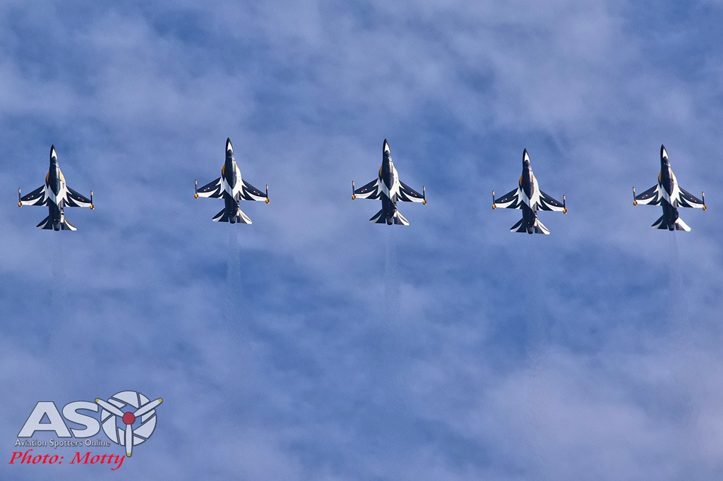 Mottys-Sacheon-ROKAF-Black-Eagles-T-50B-02986-ASO