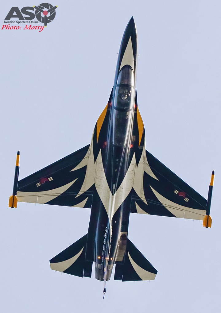 Mottys-Sacheon-ROKAF-Black-Eagles-T-50B-12356-ASO