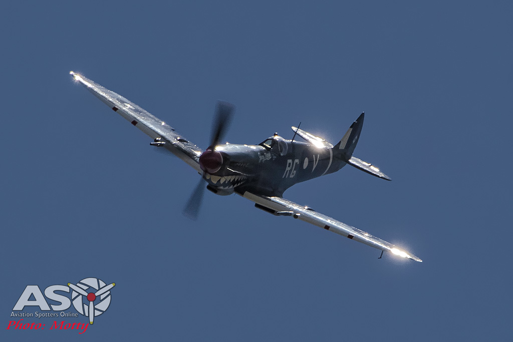 Mottys Flight of the Hurricane Scone 2 4378 Spitfire MkVIII VH-HET-001-ASO