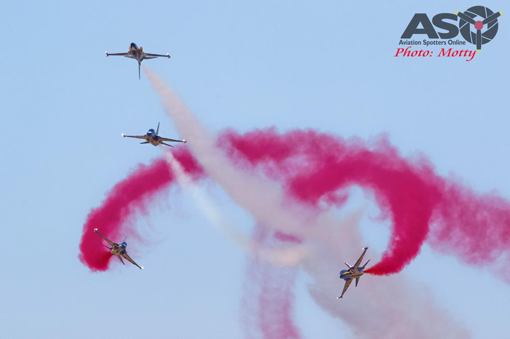 Mottys-ROKAF-Black-Eagles-KAI-T-50-Seoul-ADEX-2017-3-FRI-5613-ASO