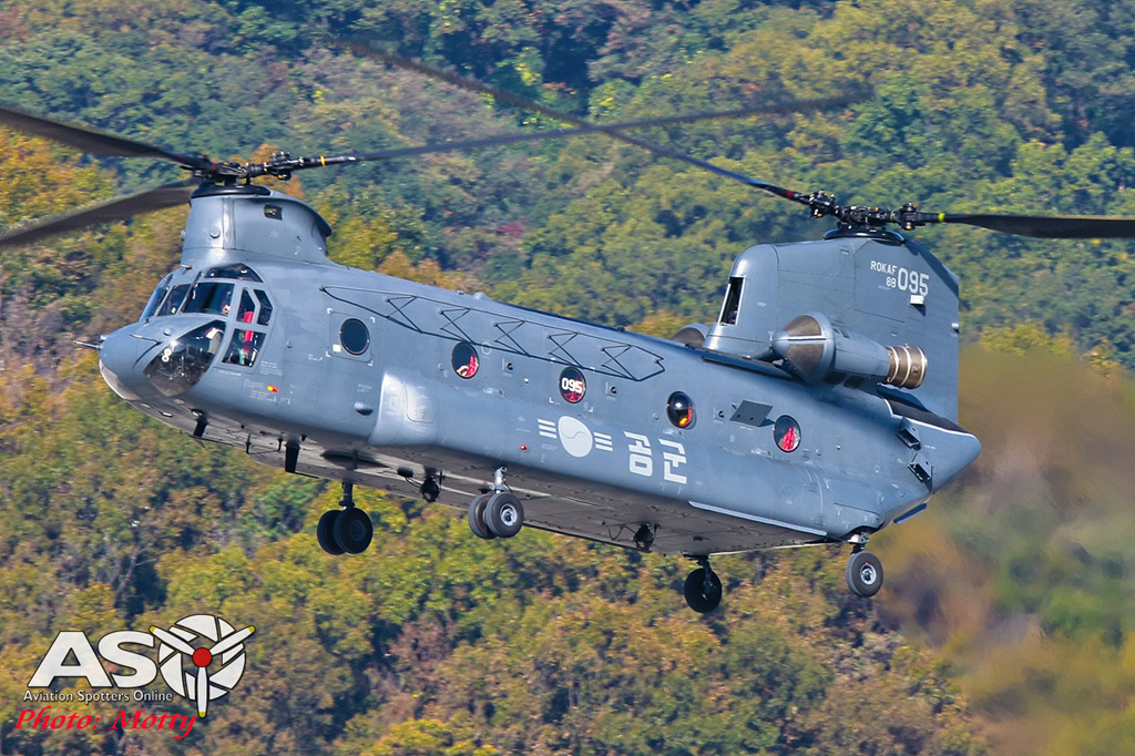 Mottys-ROKAF-CH-47-Chinnook-Seoul-ADEX-2017-5-SUN-0640-ASO