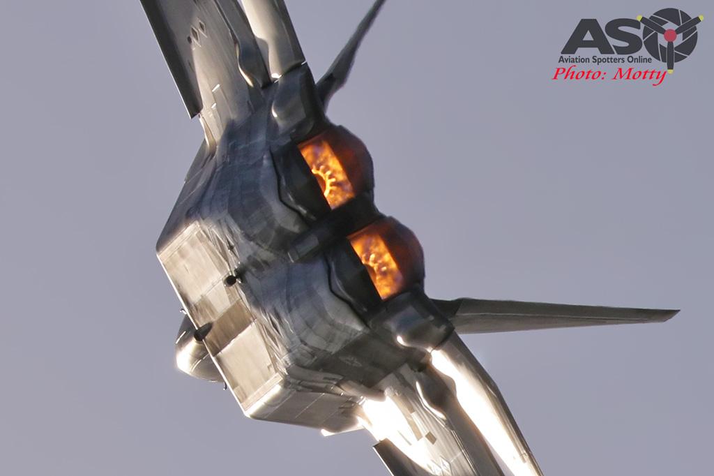 Mottys-USAF-F-22-Raptor--Seoul-ADEX-2017-4-SAT-9+_532-ASO