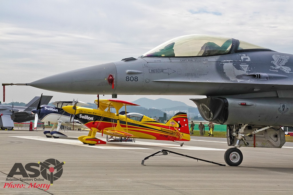 Mottys-Seoul-ADEX-2019-F-16s-00037-DTLR-1-001-ASO