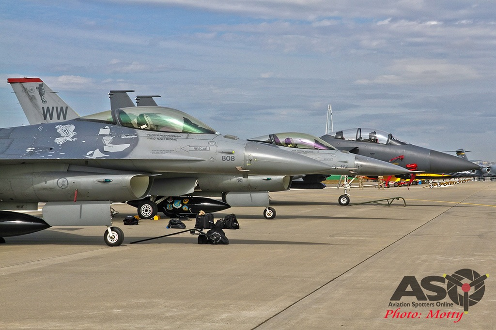 Mottys-Seoul-ADEX-2019-F-16s-00365-DTLR-1-001-ASO