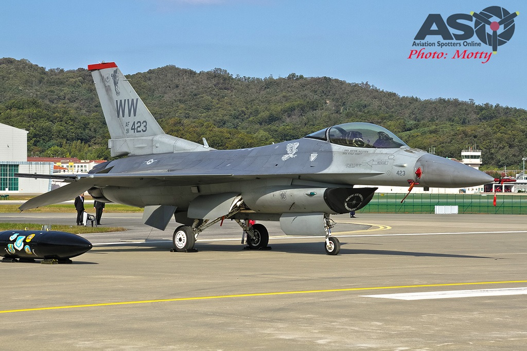 Mottys-Seoul-ADEX-2019-F-16s-00100-DTLR-1-001-ASO