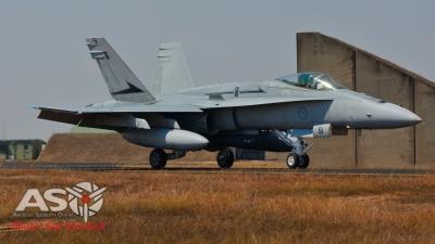 77 SQN F18