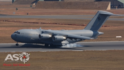 RAAF C-17A touches down