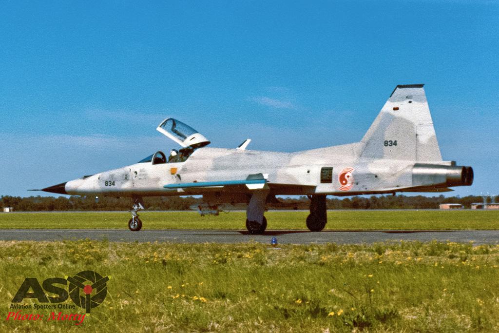 Mottys Singapore F-5E 834 001