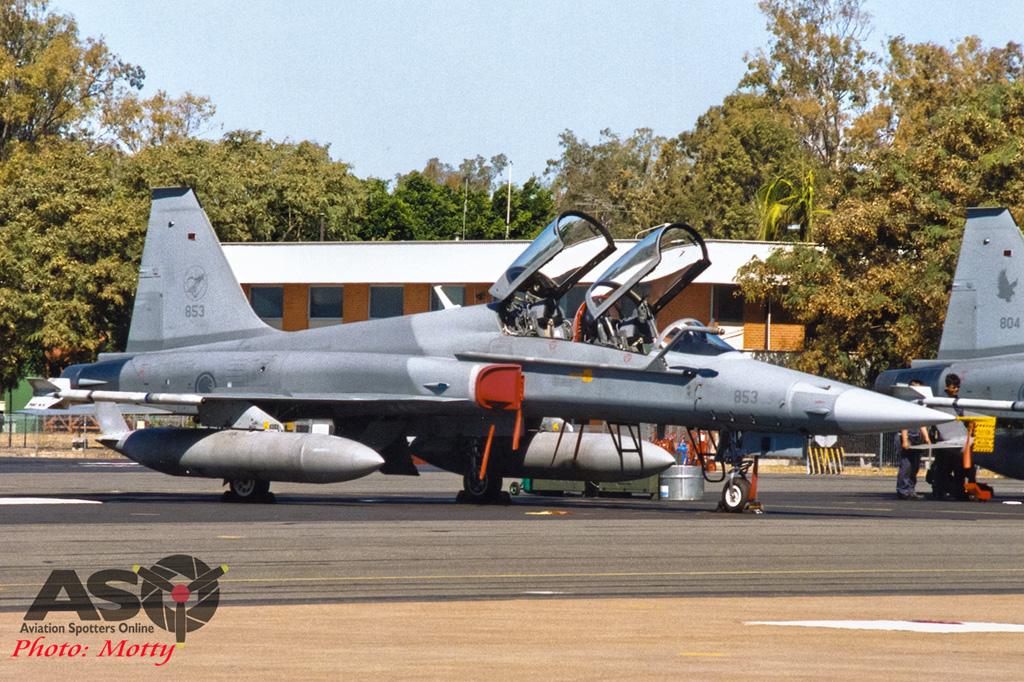 Mottys Singapore F-5F 853 001
