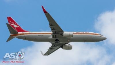 Boeing 737-800 Qantas Retro Roo II