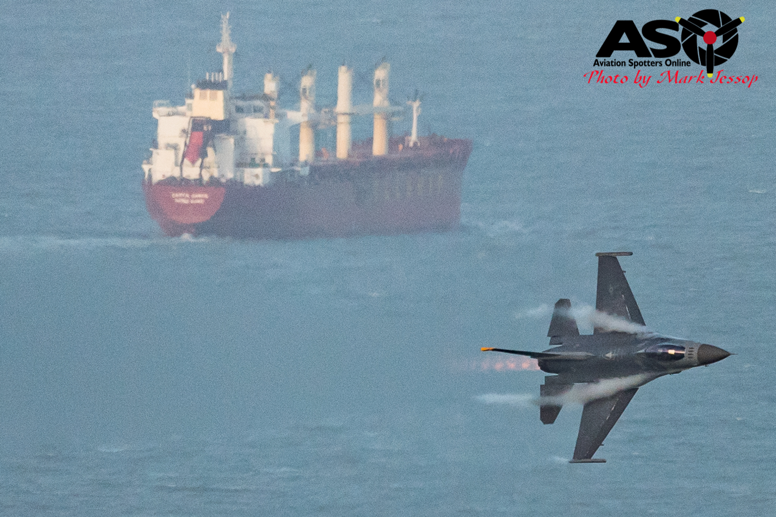 USAF F-16 turning hard with Ship