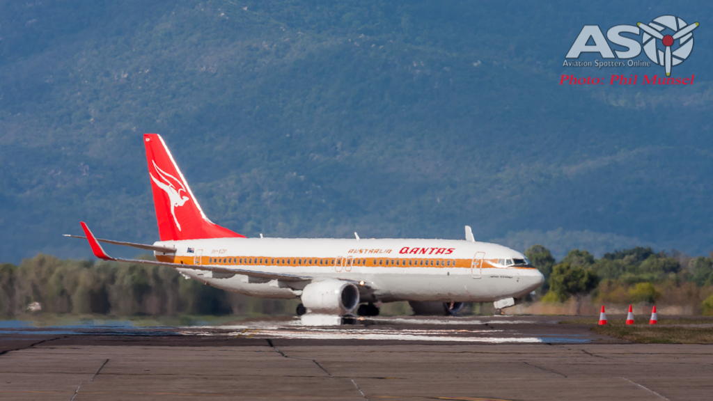Boeing 737-800 Retro Roo II (4)