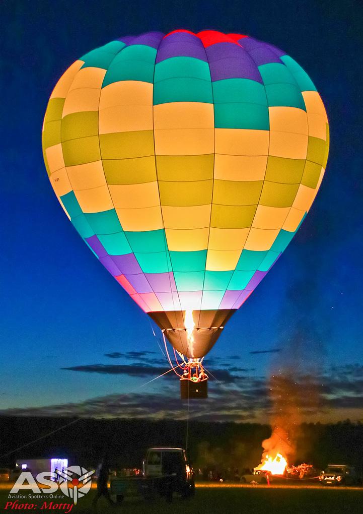 Mottys-Luskintyre-Bonfire-Night-2017-Balloons-Aloft-6199-ASO