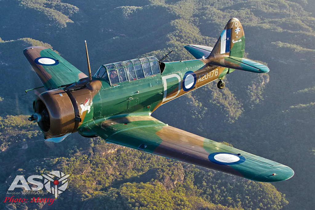 Mottys Paul Bennet Airshows Wirraway VH-WWY A2A 0090-ASO