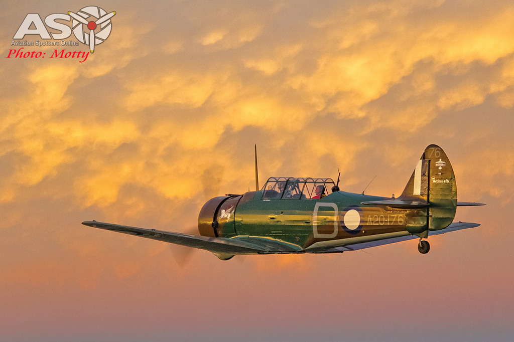 Mottys Paul Bennet Airshows Wirraway VH-WWY A2A 0265-ASO