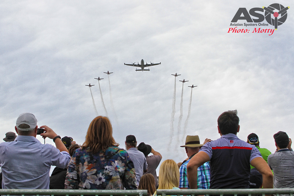 Wings Over Illawarra 2016 Connie with RAAF Roulettes