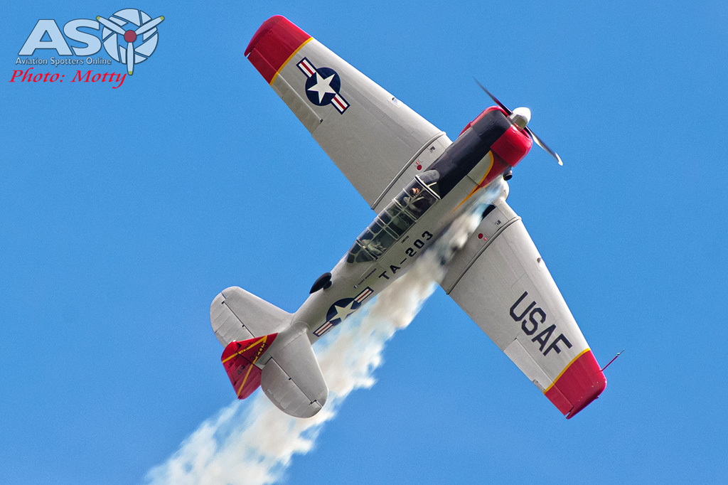 Wings Over Illawarra 2016 Harvard-185