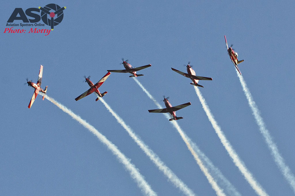 Wings Over Illawarra 2016 RAAF Roulettes-109