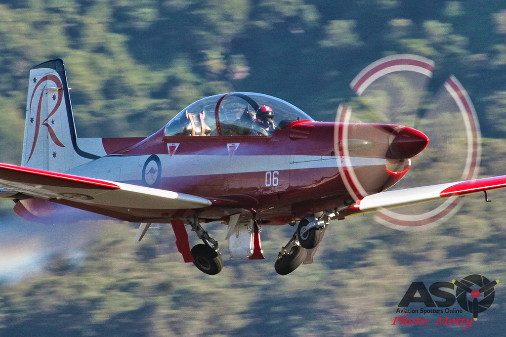 Wings Over Illawarra 2016 RAAF Roulettes-314