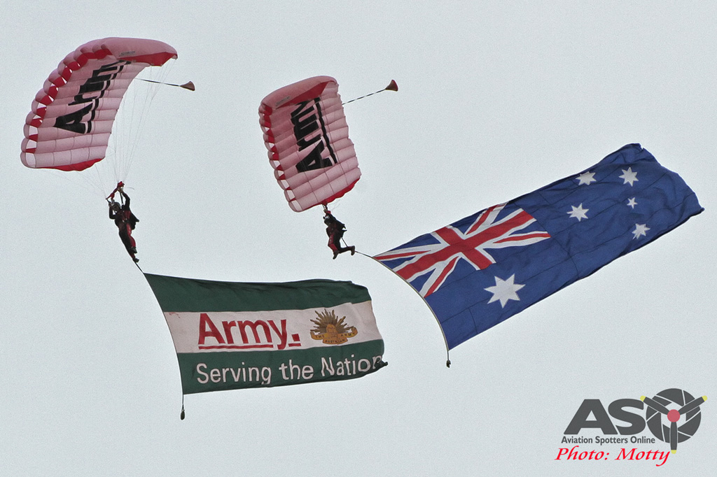 Wings Over Illawarra 2016, the Australian Army's Red Berets