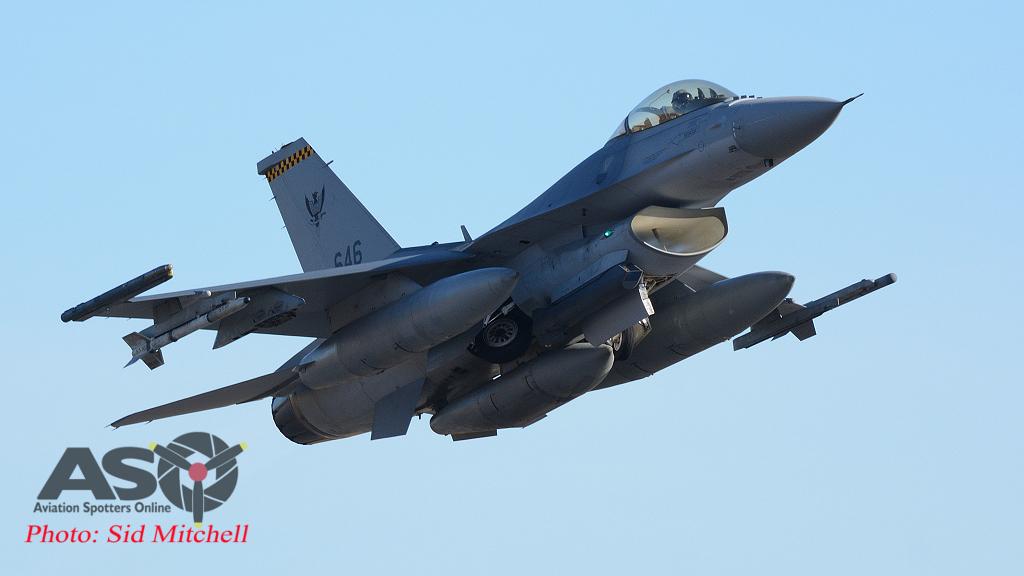 pic10 RSAF F16