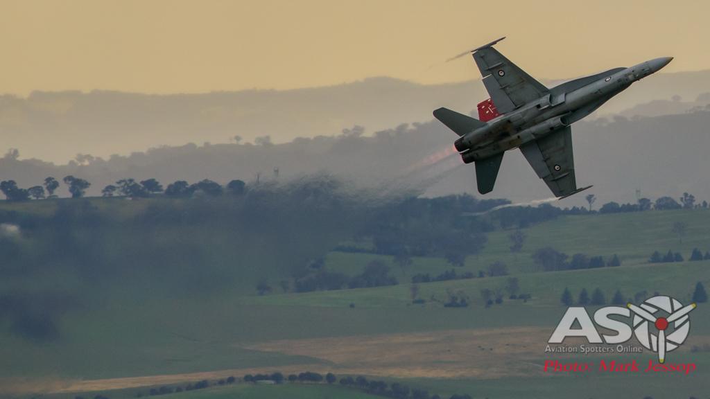 2015 Bathurst 1000 F/A-18A Display