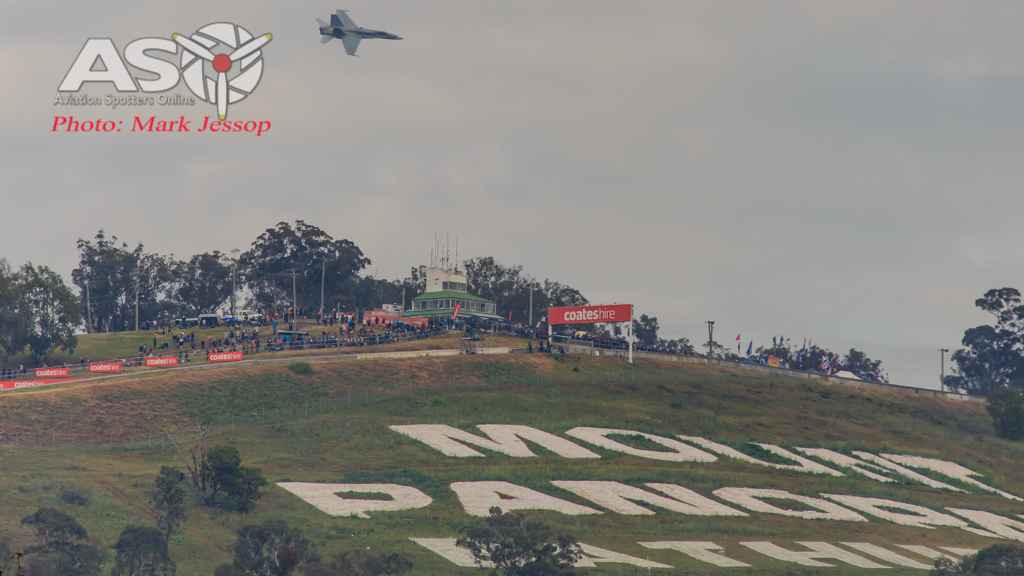 V8 Supercars Beaten around Bathurst 1000