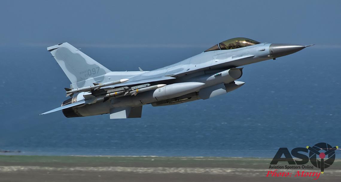 Mottys 111FS ROKAF KF-16 Kunsan 2015 0010 Header