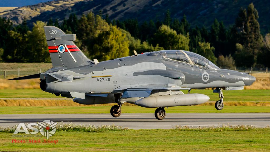 Hawks Queenstown arrive-16