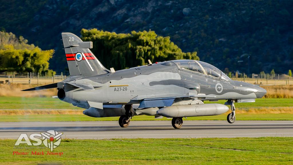 Hawks Queenstown arrive-17