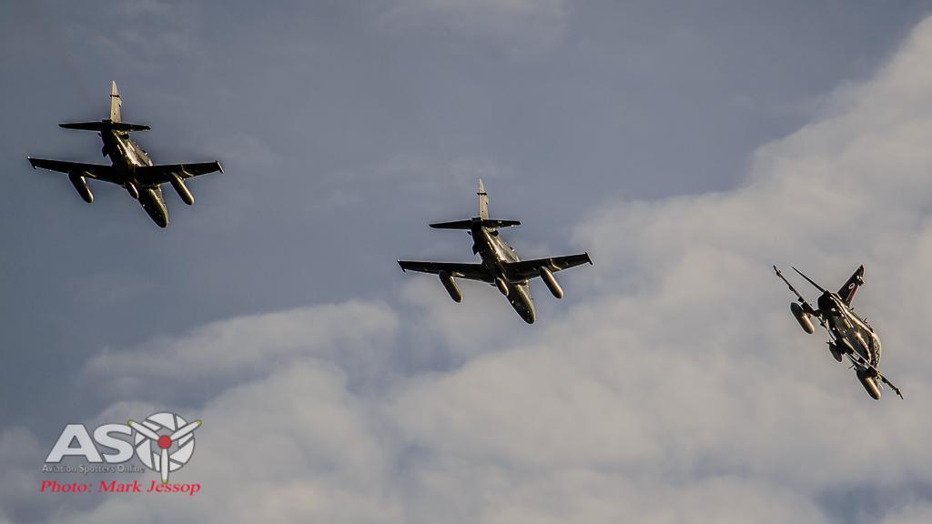 Hawks Queenstown arrive-22