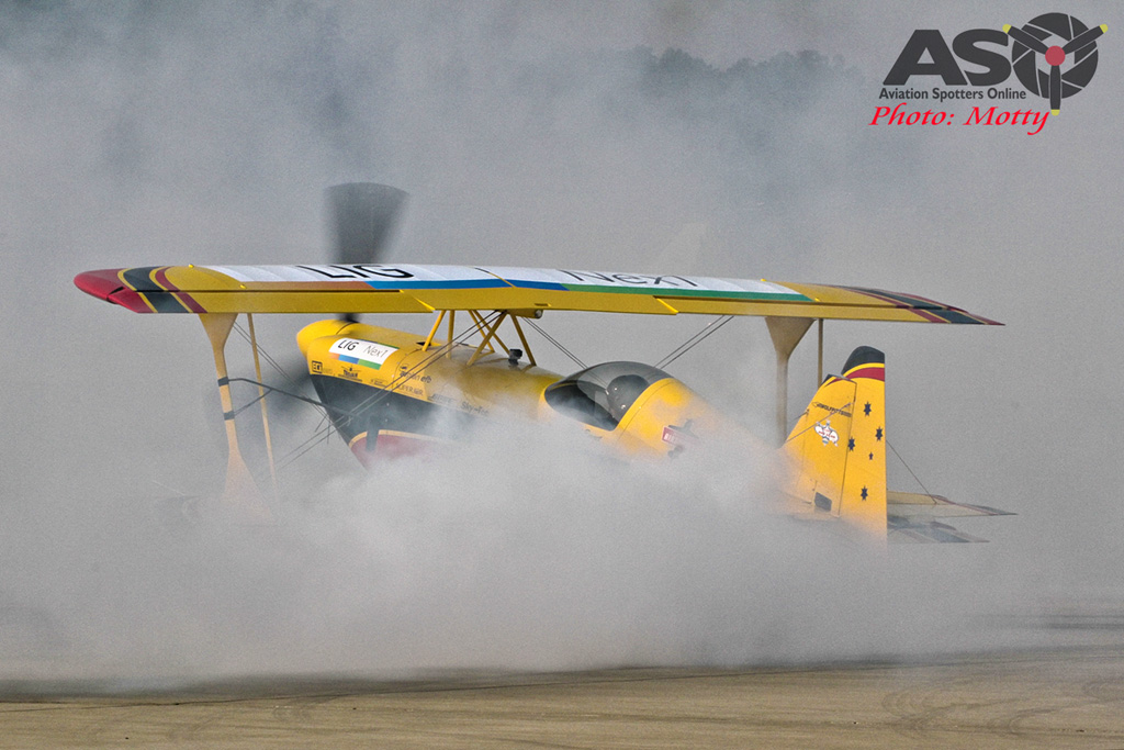 Mottys Paul Bennet Airshows Wolf Pitts Pro VH-PVB Korea ADEX 2015 017