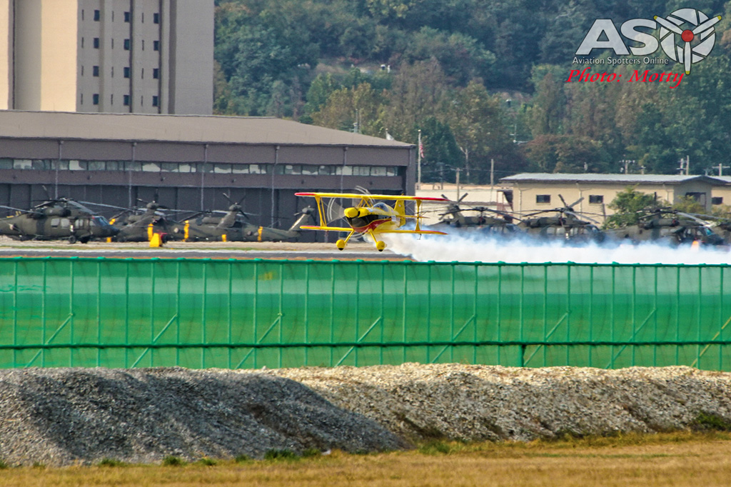 Mottys Paul Bennet Airshows Wolf Pitts Pro VH-PVB Korea ADEX 2015 041