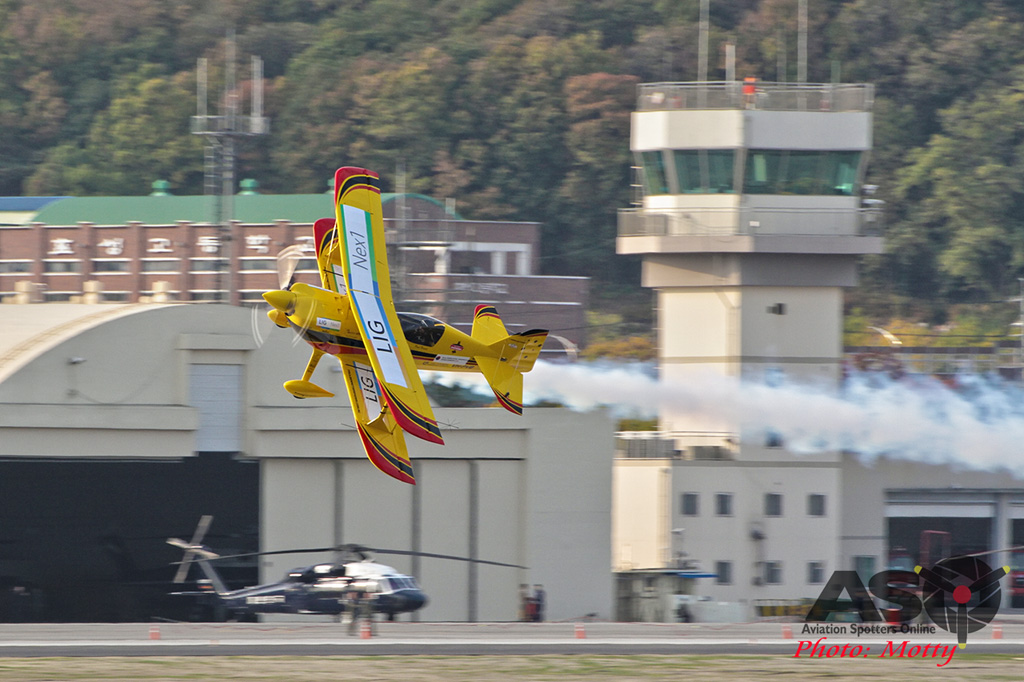 Mottys Paul Bennet Airshows Wolf Pitts Pro VH-PVB Korea ADEX 2015 042