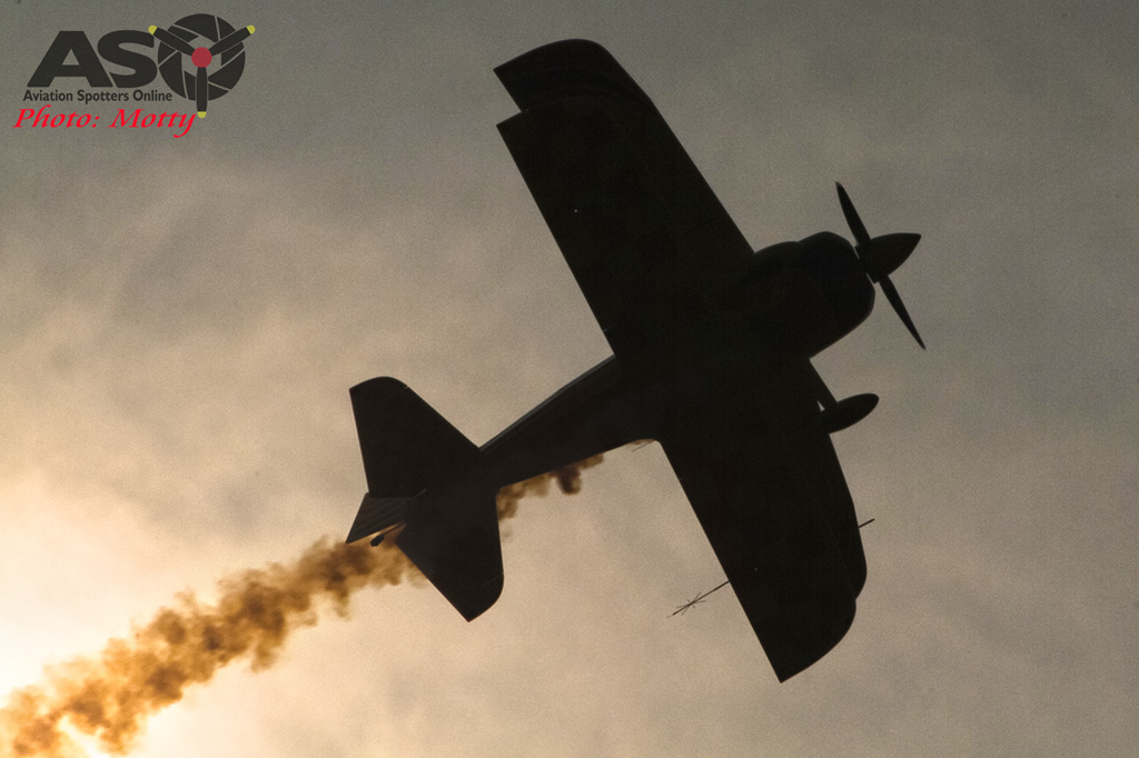 Mottys Paul Bennet Airshows Wolf Pitts Pro VH-PVB Korea ADEX 2015 052