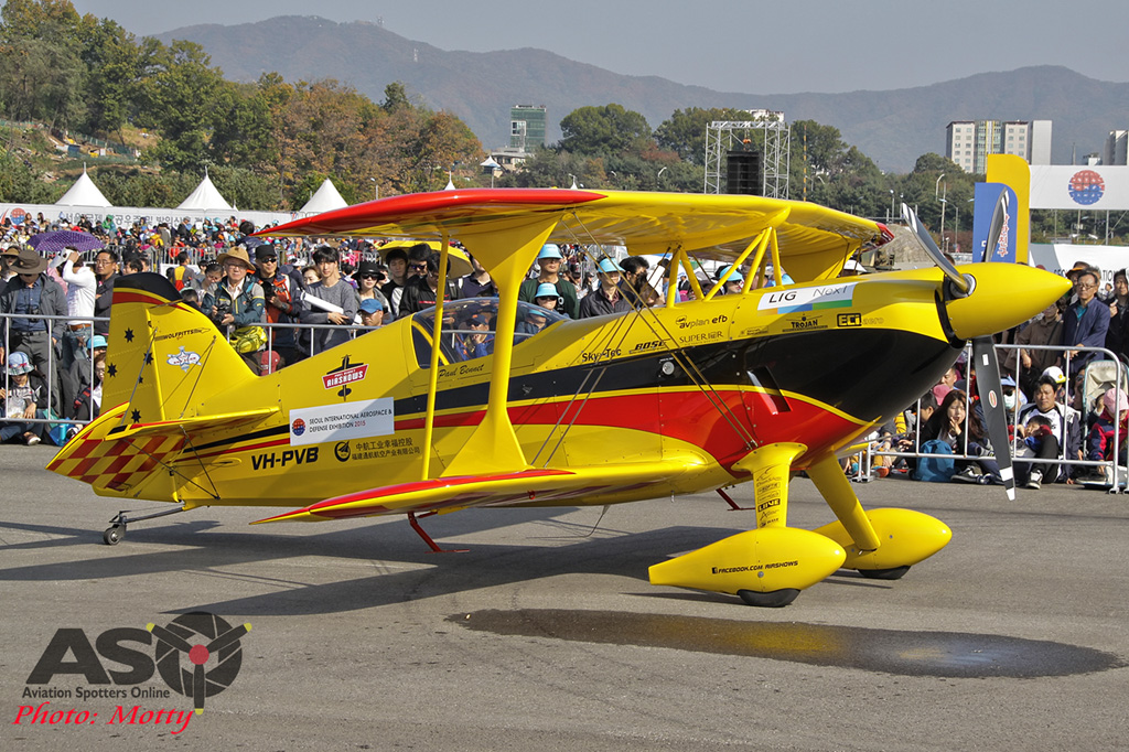 Mottys Paul Bennet Airshows Wolf Pitts Pro VH-PVB Korea ADEX 2015 066