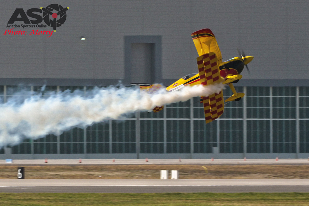 Mottys Paul Bennet Airshows Wolf Pitts Pro VH-PVB Korea ADEX 2015 103